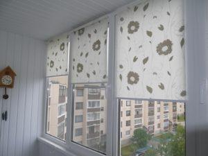 Установка рулонных штор на пластиковые окна в Смоленске